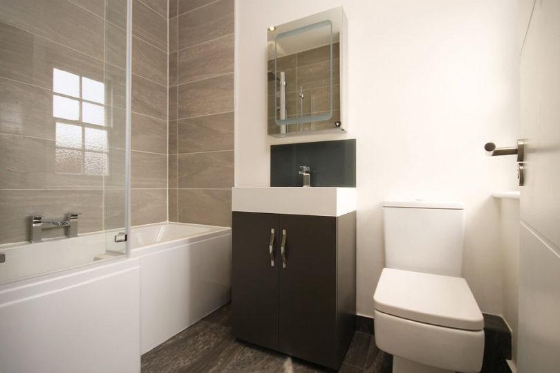 Badkamer en toilet aanbouwuitbouw